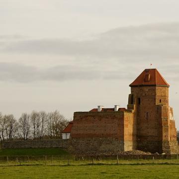 Zamek-Zbrojownia Liw