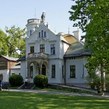 Niedaleko Chęcin - Muzeum Henryka Sienkiewicza w Oblęgorku